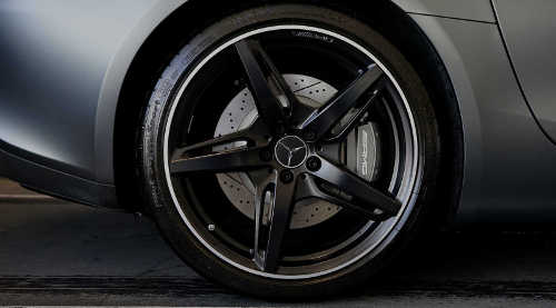 alloy wheel with colour powder coating